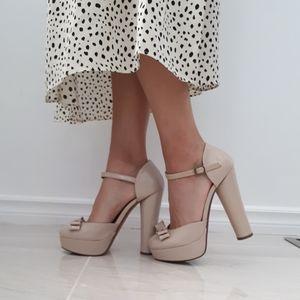 Forever 21 Cute Bow platform heels